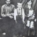 отец, брат Василий, мать и Владимир