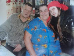 с мужем и внучкой
