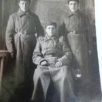 отец, Ванглис Василий Дмитриевич слева