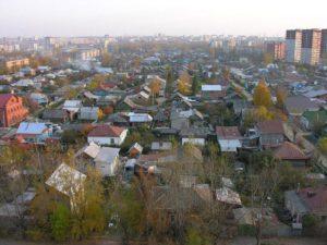 вид от Бакинских комиссаров на частный сектор между Ярославской и Черноярской