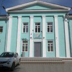 здание детского стадиона на Кировоградской