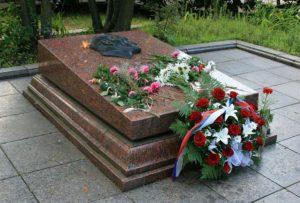 могила Кузнецова Н.И. на Холме Славы во Львове, Украина