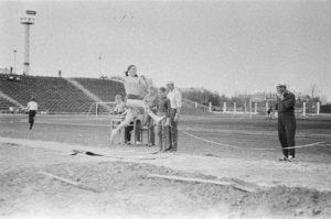 на стадионе, 1956 г.