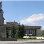 памятник Николаю Кузнецову