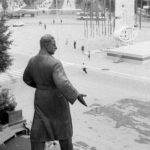 памятник С. Орджоникидзе и бул. Культуры прямо