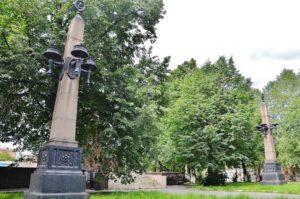 сквер за памятником