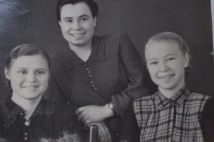 Клавдия справа по выпуску из ремеслен. училища