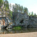 скала Писаница на реке Серьге